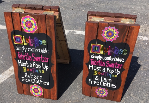 LulaRoe Pallet Wood Sign